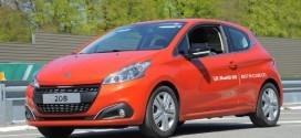 2-Liter-Auto: Peugeot 208 BlueHDi 100 kommt auf Rekordfahrt mit 2 Litern aus