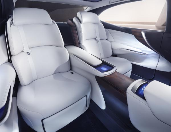 Lexus LF-FC - Innenraum Rücksitze