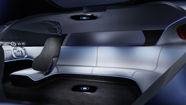 Mercedes-Benz Vision Tokyo mit Lounge-Couch