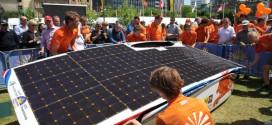 Nuon Solar Team aus Holland siegt bei der Bridgestone World Solar Challenge 2015