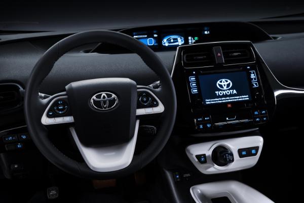 2016er Toyota Prius - Cockpit