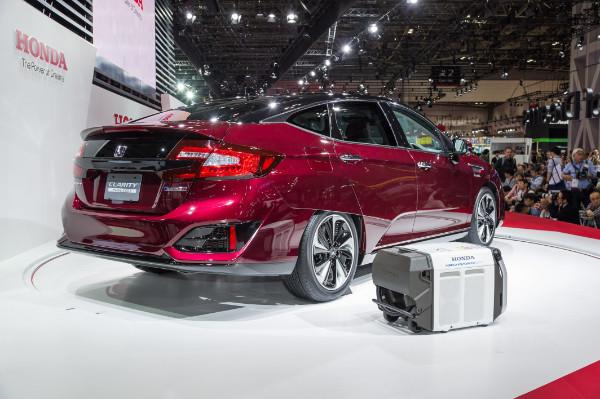 Honda Clarity Fuel Cell auf der Tokio Motor Show 2015