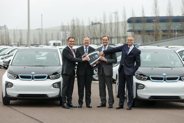 Übergabe der 50 BMW i3 an die Stadt Leipzig