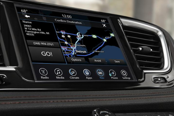 Chrysler Pacifica Hybrid - Infotainment