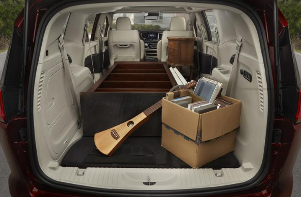2017 chrysler pacifica amerikanischer plug in hybrid minivan. Black Bedroom Furniture Sets. Home Design Ideas