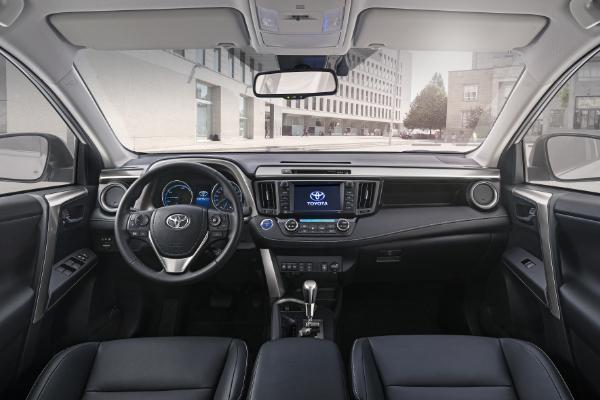 Toyota RAV4 Hybrid - Innenraum