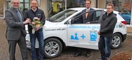 sera Unternehmensgruppe mit Wasserstoff im Hyundai ix35 Fuel Cell unterwegs
