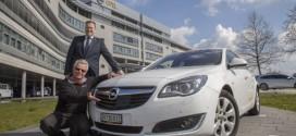 Opel Insignia fährt mit nur einer Tankfüllung die Rekordstrecke von 2.111 Kilometern