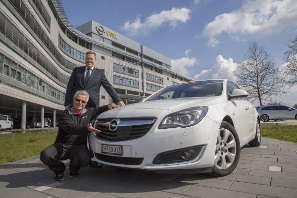 Hypermiler Felix Egolf mit Opel Insignia