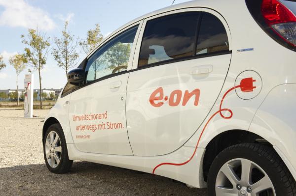 Elektroauto mit Strom von E.ON