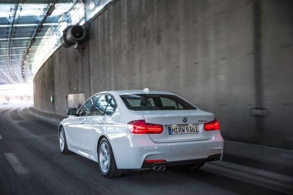 BMW 330e mit Plug-In-Hybridantrieb