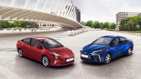 Toyota Prius und Toyota Mirai