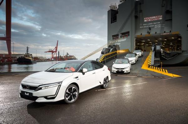 Erste Honda Clarity Fuel Cell kommen in Europa an