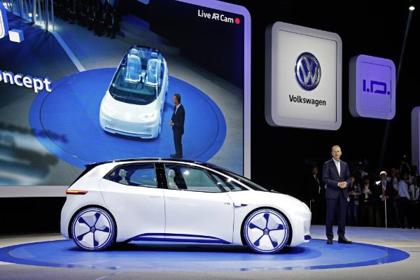 Volkswagen Studie I.D. auf dem Pariser Autosalon 2016