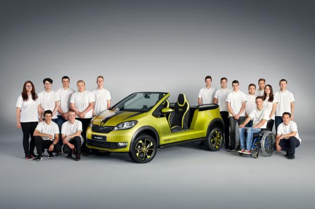 Skoda Azubi Team mit dem Element Elektro-Buggy