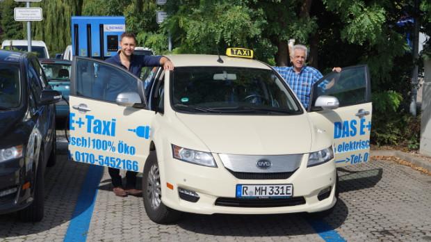Erstes BYD e6 Elektro-Taxi von Hetznegger