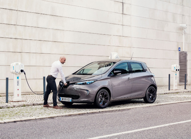 Renault ZOE an der Ladesäule