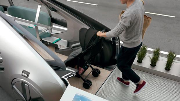 Renault EZ-GO - Einstieg mit Kinderwagen