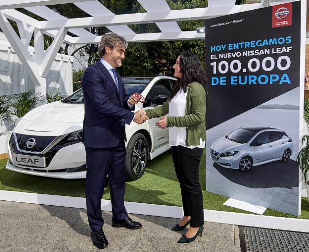 Übergabe des 100.000sten Nissan Leaf in Europa