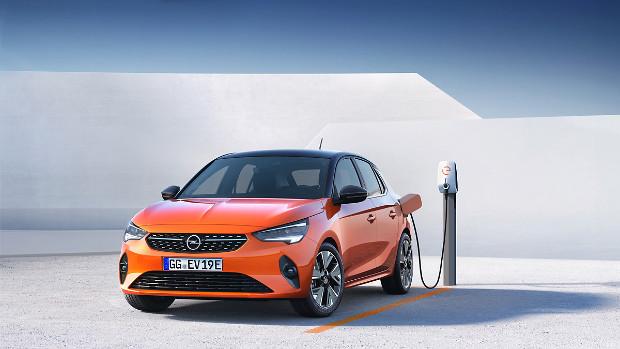 Opel Corsa-e beim Laden