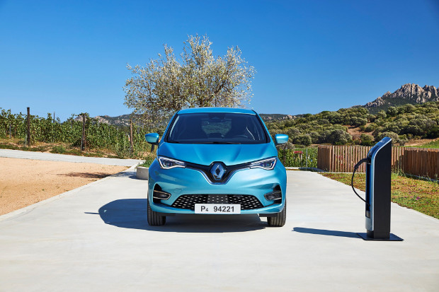 Neuer Renault ZOE mit Ladestation
