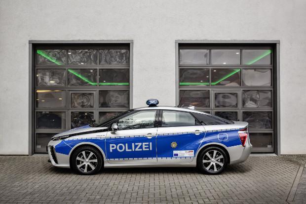 Toyota Mirai Polizeiauto mit Brennstoffzellenantrieb