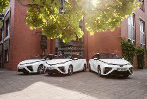 Städtischer Fuhrpark von Hürth um drei Toyota Mirai erweitert