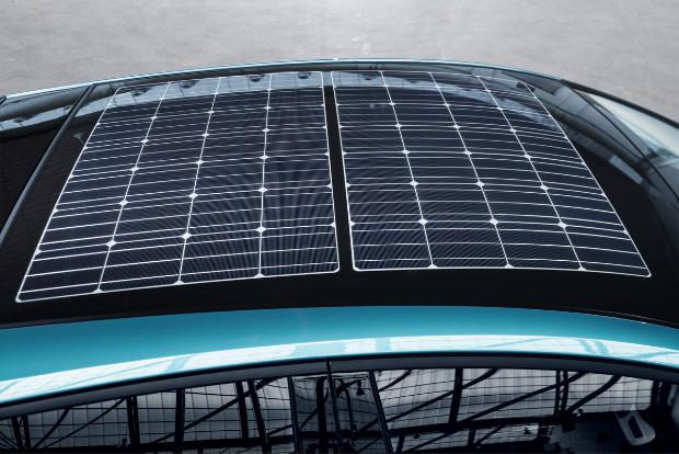 Solardach des Toyota Prius Plug-In-Hybrid