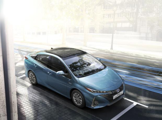 Toyota Prius Plug-In-Hybrid mit Solardach