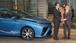 Übergabe des ersten Toyota Mirai